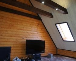 Большая комната под крышей