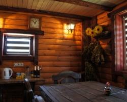 Отличное цветовое решения по окраске деревянных поверхностей