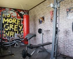 Сосновая потолочная рейка в спортзале